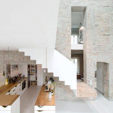 Una casa del XIX secolo diventa casa contemporanea