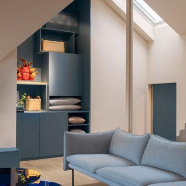 Un loft color blu-grigio
