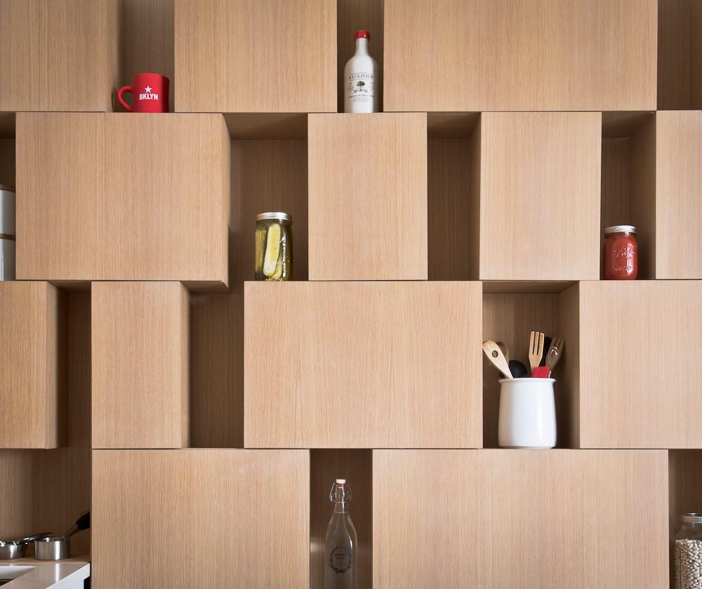 Una scala nascosta tra gli scaffali – idea82